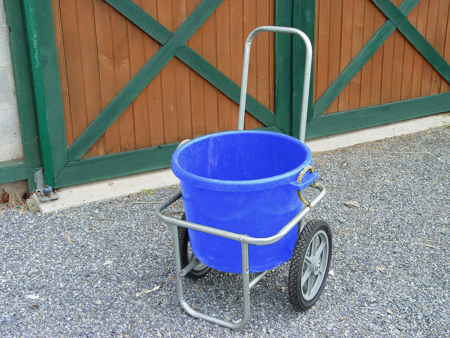 Muck bucket cart